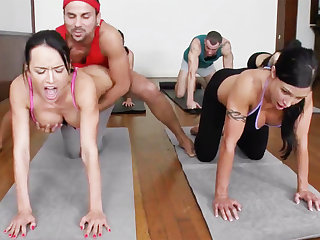 Yoga professor plus 4 sizzling college girls concerning meaty cupcakes
