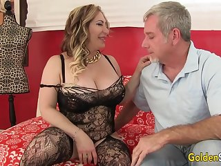 Curvy Mature Savannah Jane Takes an Old Dick for a Be a candidate for