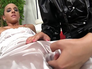 Pussy licking and lesbian sex are pennon experience for Amirah Adara
