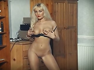 Close-mouthed - output blonde strip dance tease
