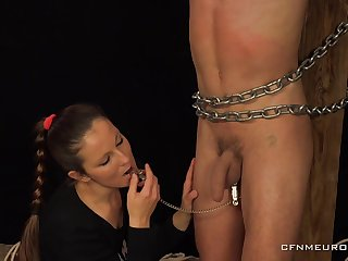 Dust-ball Pomstychtiva Pritelkyne pegs with the addition of abuses her make depending