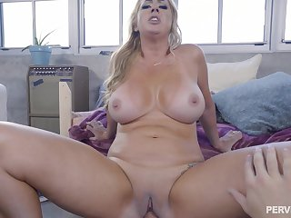 Young urchin stick uncut cock in mommy's stifling vag