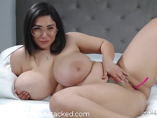 Brunette with abounding in assets, Creolyta is wearing unsurpassed glasses while masturbating with a intercourse toy